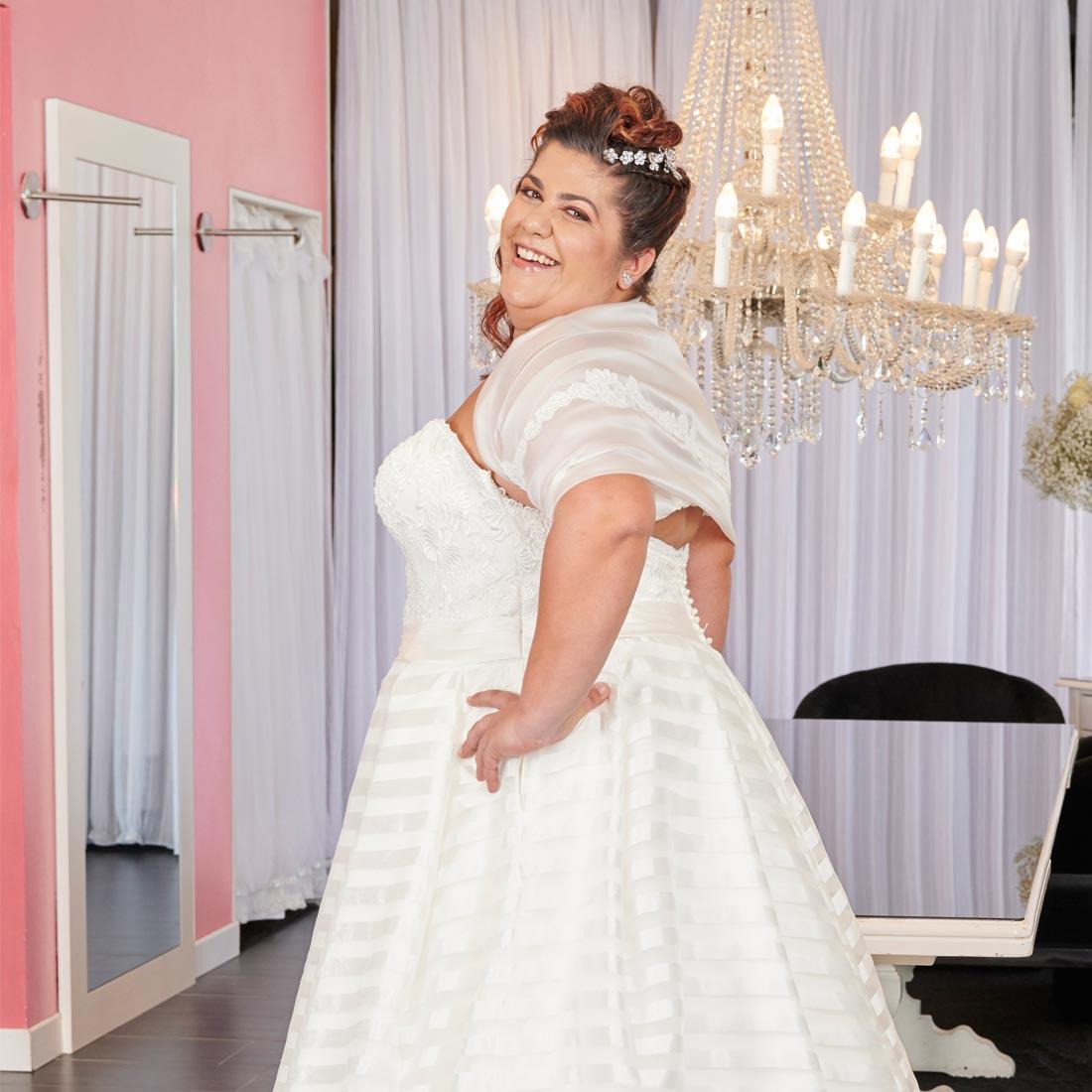Vestiti Da Sposa Taglie Forti.Abiti Da Sposa Per Spose Taglie Forti Consigli E Segreti Per Le